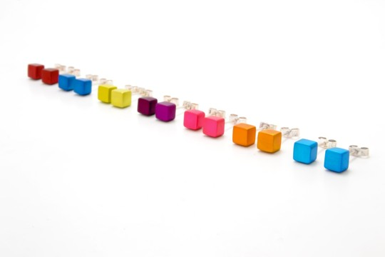 A1E6_ small cube stud earrings, €65